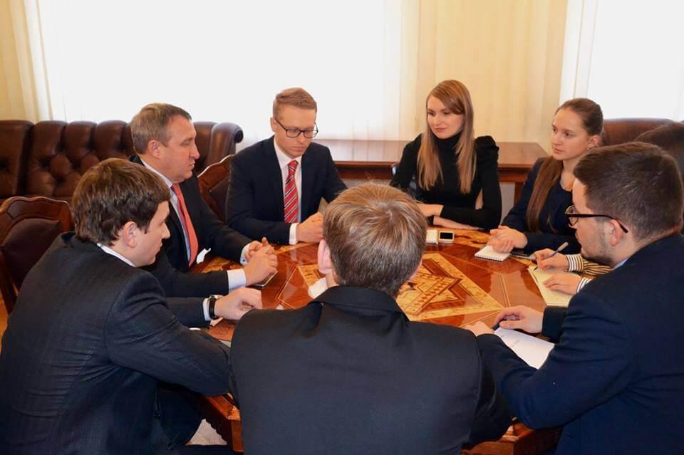 Майбутні українські дипломати у Європі
